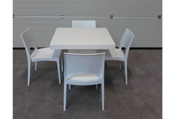 Lounge tafel vierkant laag wit 4