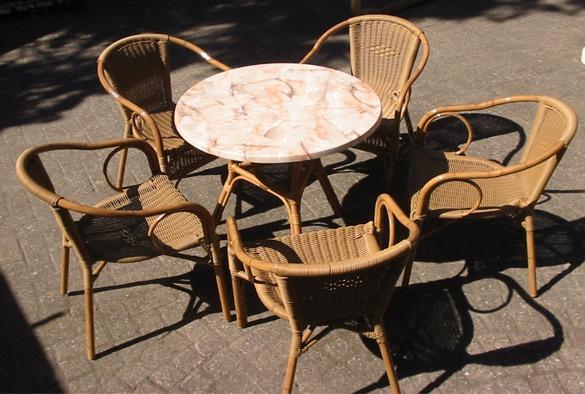 Rotan tafel 2