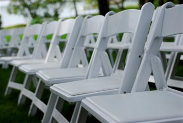 Partyverhuur Nuenen wedding chair trouwstoel opklapbaar wit